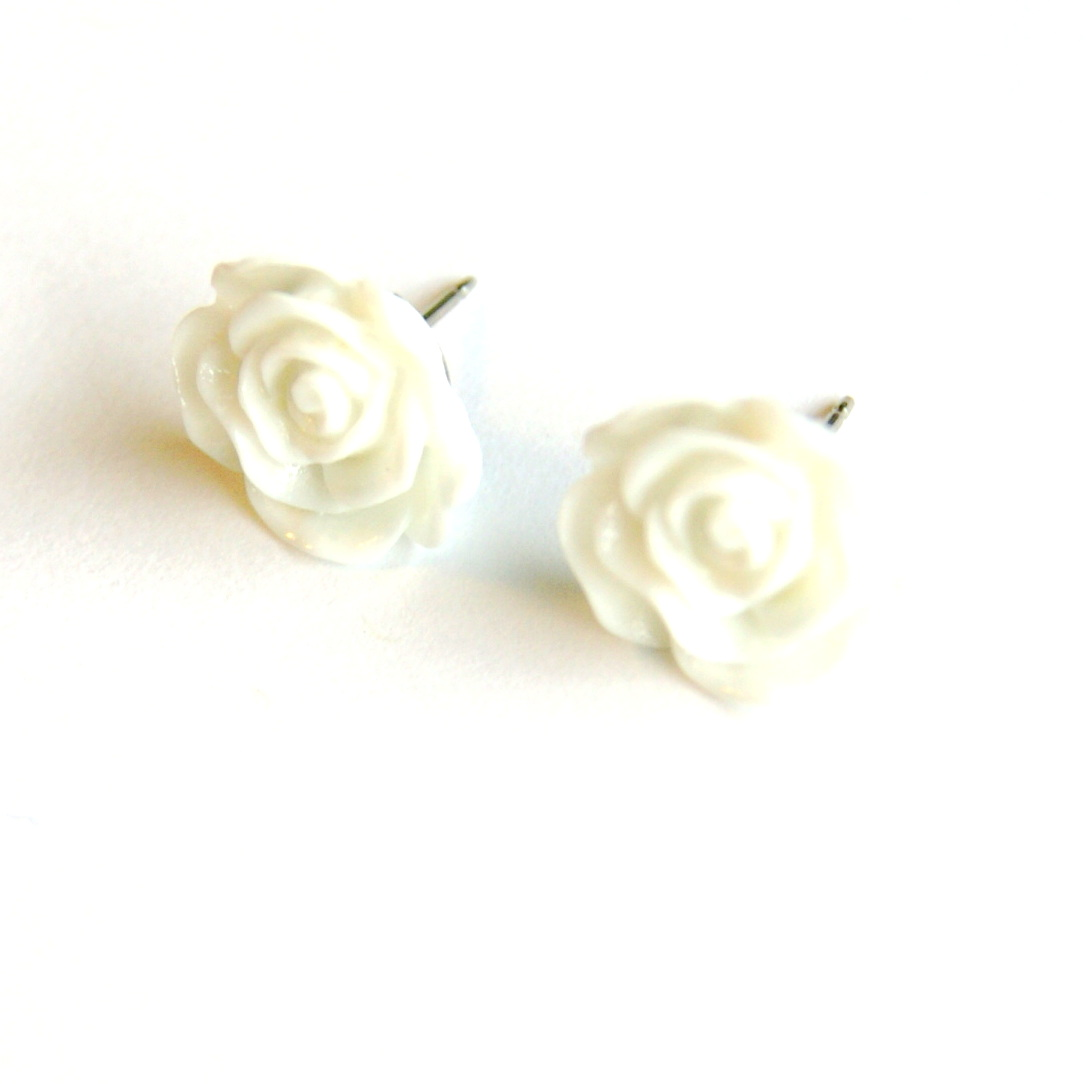 White Flower Post Earrings Summer Flower Earrings On Luulla